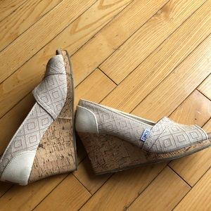 Toms wedge open toed shoes size 7.5